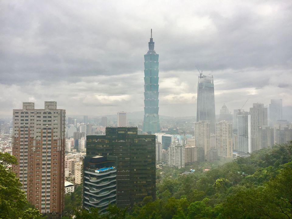 Photos of Taipei: Longshan Temple, Taipei 101, Elephant Mountain & Night Markets 1/1 by Nikita Anand