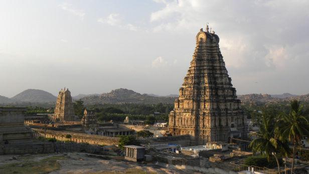Photo of Sri Virupaksha Temple, Hampi, Karnataka, India by Sachin Verma