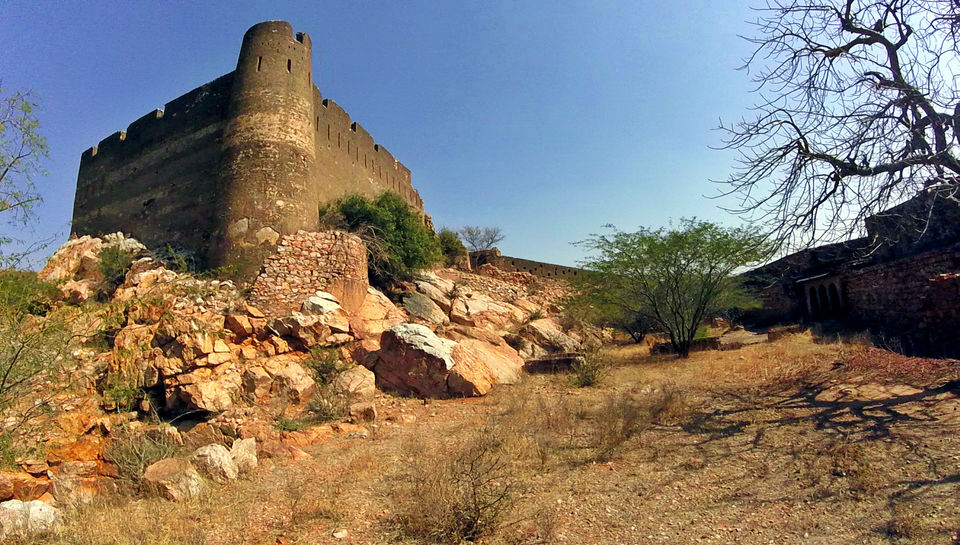 Bichoon: Have you been to this offbeat fort near Jaipur?