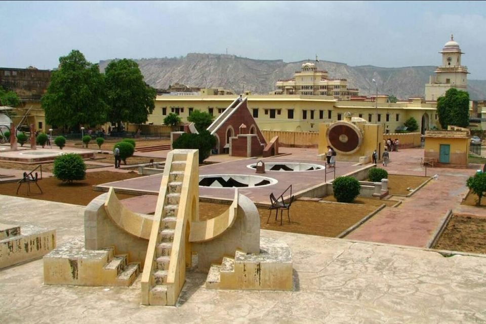 Photos of An Attempt To Understand The Science Behind Esoteric Jantar Mantar (Jaipur) 1/1 by Anjali Chawla
