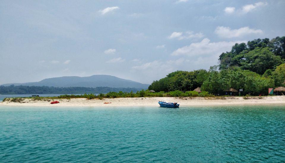 Photo of Jolly Buoy Beach, India by Saumiabee