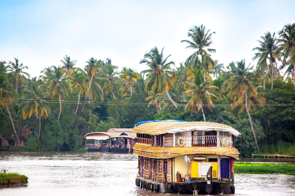 Photos of How To Have A Memorable Holiday In The Backwaters Of Kerala, The God's Own Country 1/1 by Sending Postcards Home