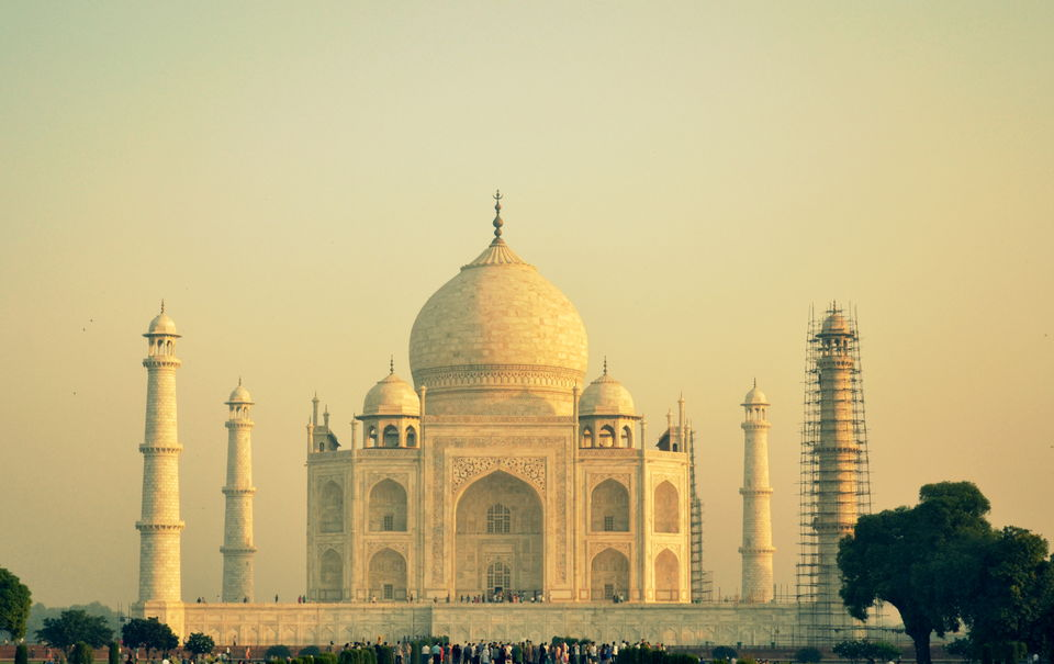 Photos of The enchanting Taj Mahal under INR 1700 1/1 by Saikat Mazumdar