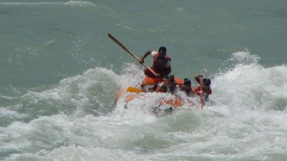 Adrenaline rush in the fierce River Teesta – White River Rafting Sikkim