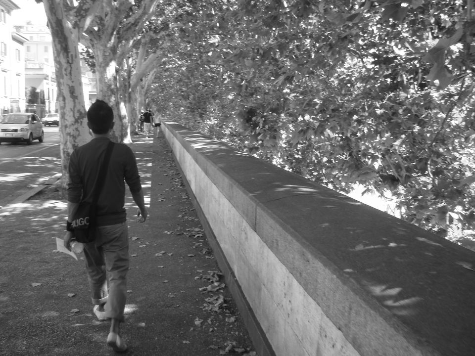 Photos of Rome, Day 3: Following the River 1/1 by Unshod Rover