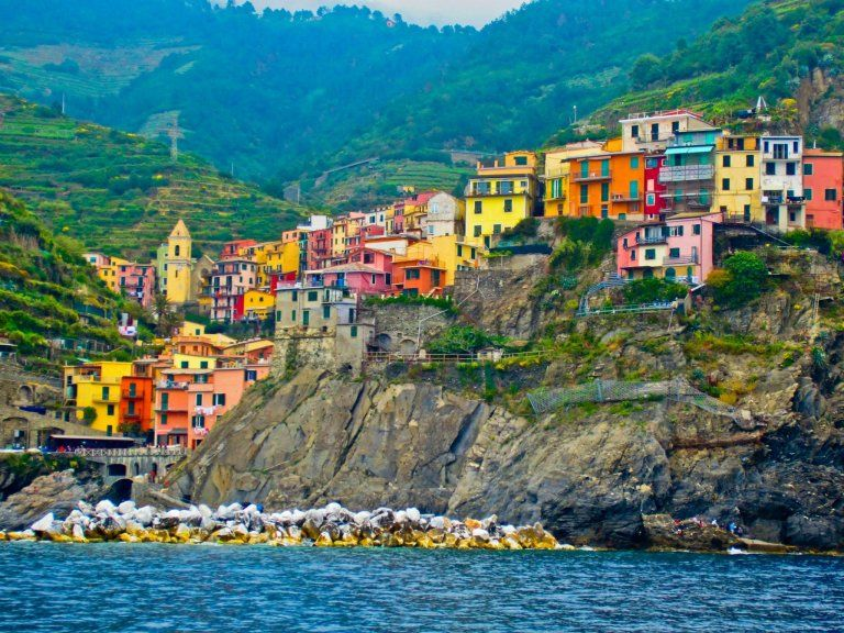 Photos of Why you must include Cinque Terre on your Italy trip 1/1 by Desiwanderer