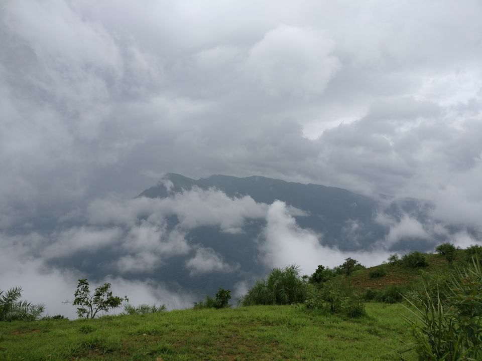 Photos of Drizzling clouds<br> 1/1 by Nidhi Jain