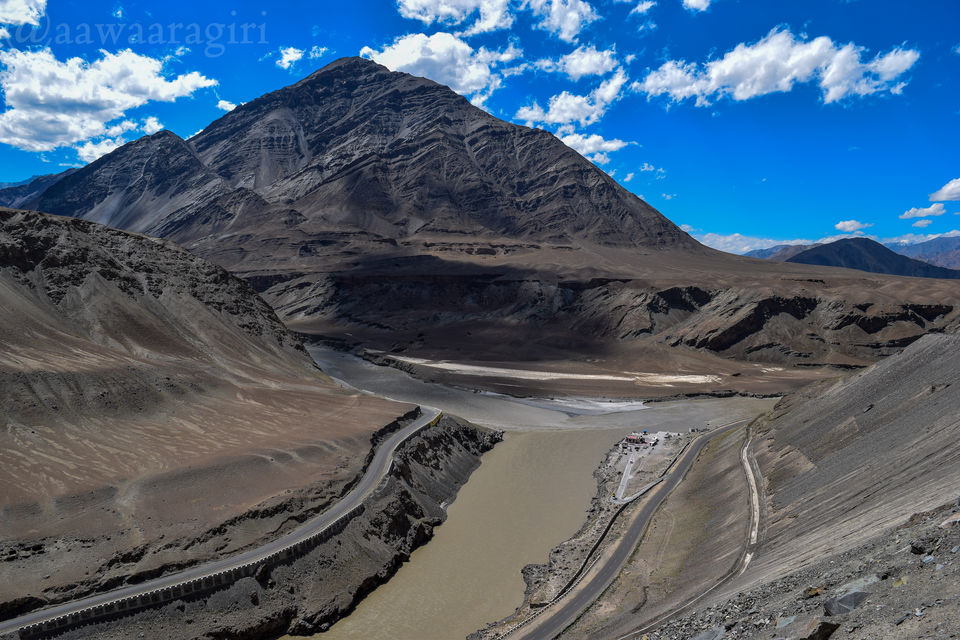 Photos of Confluence of Indus(right)and Zanskar(left) 1/1 by aawaaragiri