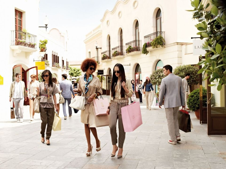 Top 10 Shopping Villages in Europe