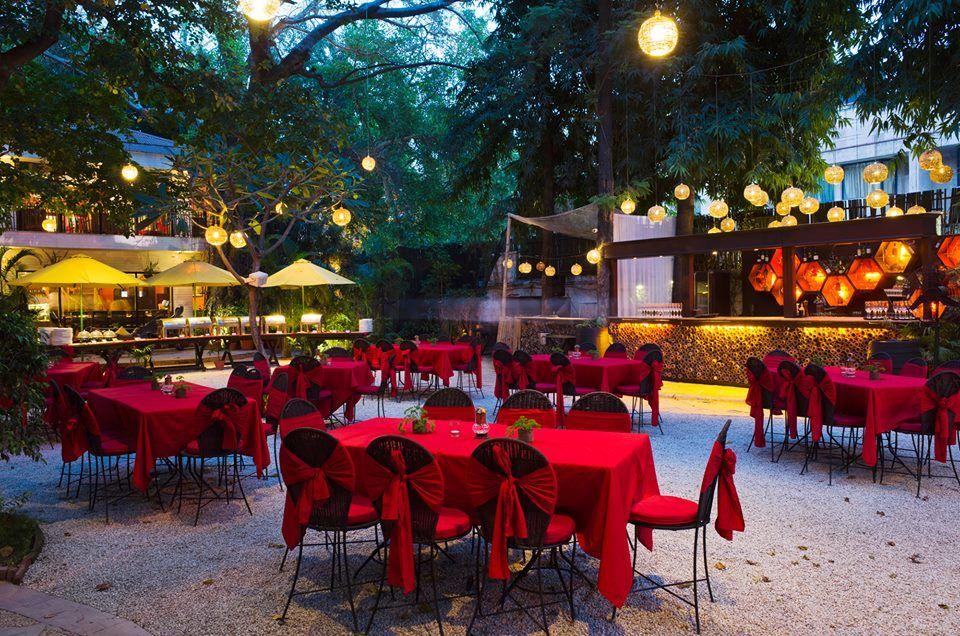 Dating restaurant in delhi