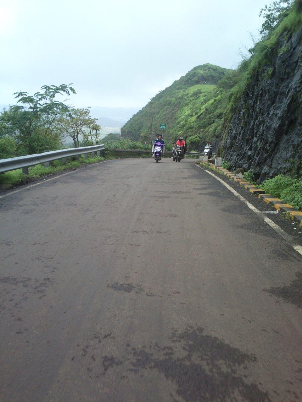 Photo of Sinhagad Fort, Thoptewadi, Maharashtra, India by theuncanny_traveller