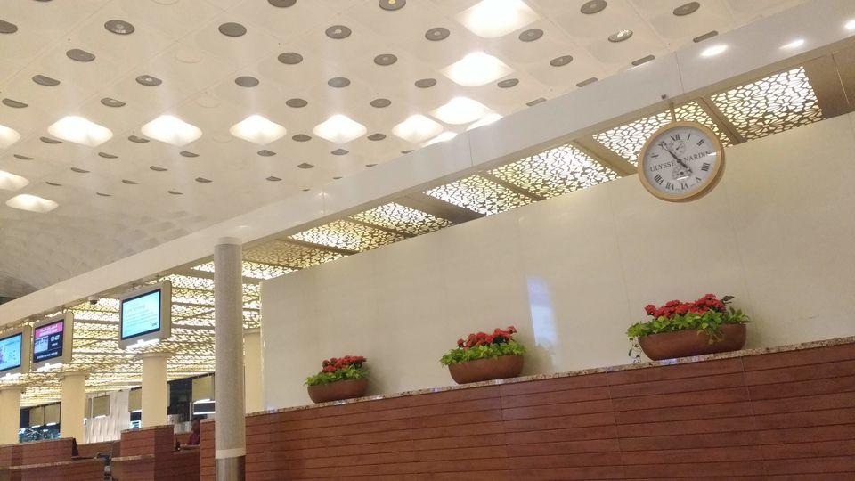 Photo of Chhatrapati Shivaji International Airport (BOM), Terminal 2, Navpada, Vile Parle East, Vile Parle, Mumbai, Maharashtra, India by theuncanny_traveller