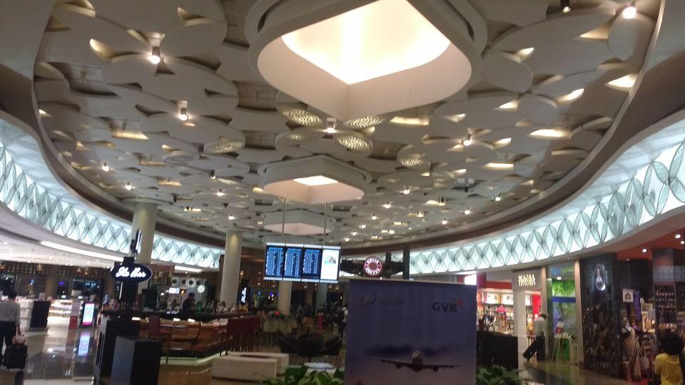 Photo of Chhatrapati Shivaji International Airport, Navpada, Vile Parle East, Vile Parle, Mumbai, Maharashtra by theuncanny_traveller