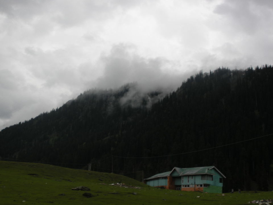 essay on kashmir paradise on earth Occupation of kashmir follow this article indian occupied kashmir, once called the paradise on earth, now stands in ruins six decades after it was forcibly occupied by india against the wishes of.