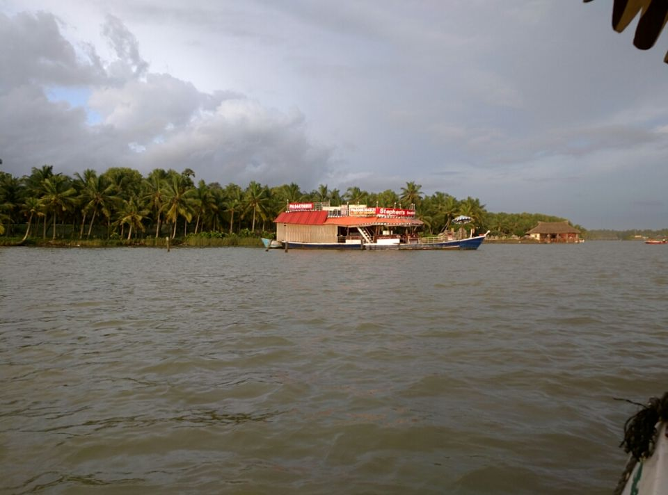 Photos of God's own country: My perspective  1/6 by Harshal Bhagwat