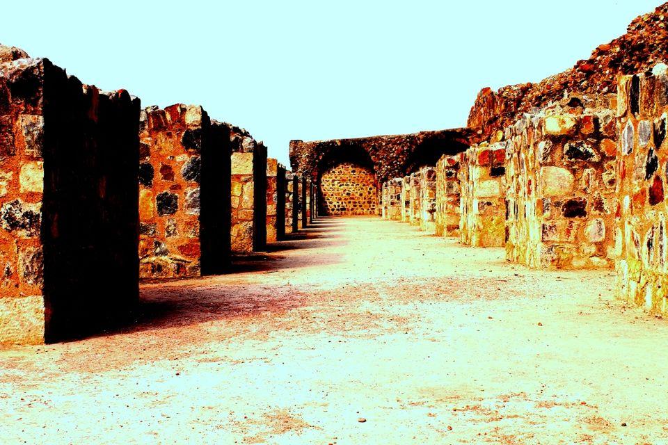 Photo of Hidden Side Of Purana Qila - Oldest Fort of Delhi 2/7 by Shayaan Ahmad Noori