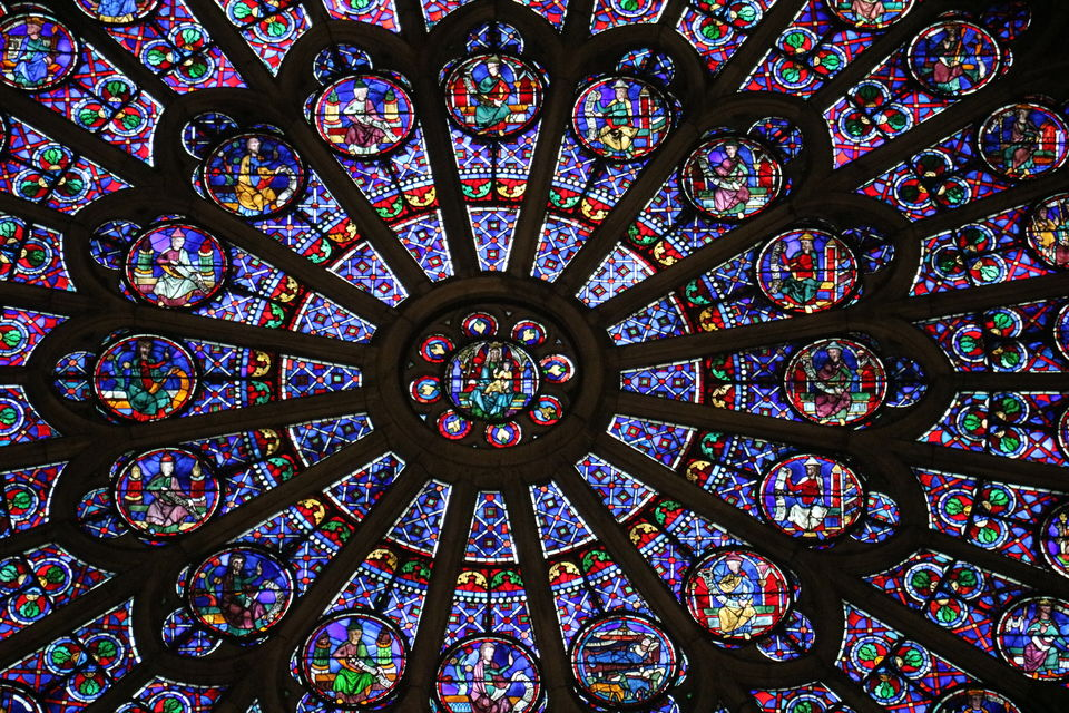 Photo of The absolutely gorgeous window of the Notre-Dame cathedral by Sagarika Mohanty