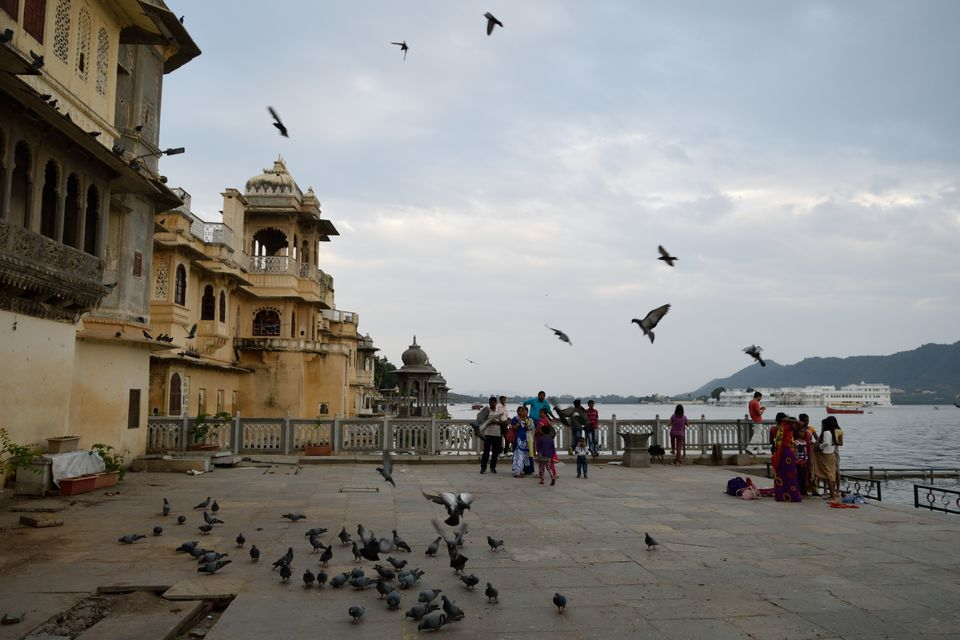 An evening in Gangaur Ghat, Udaipur - Tripoto