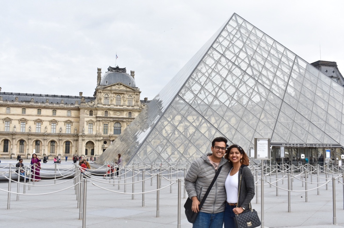 Photo of Louvre Museum, Rue de Rivoli, Paris, France by The Trunk Travellers