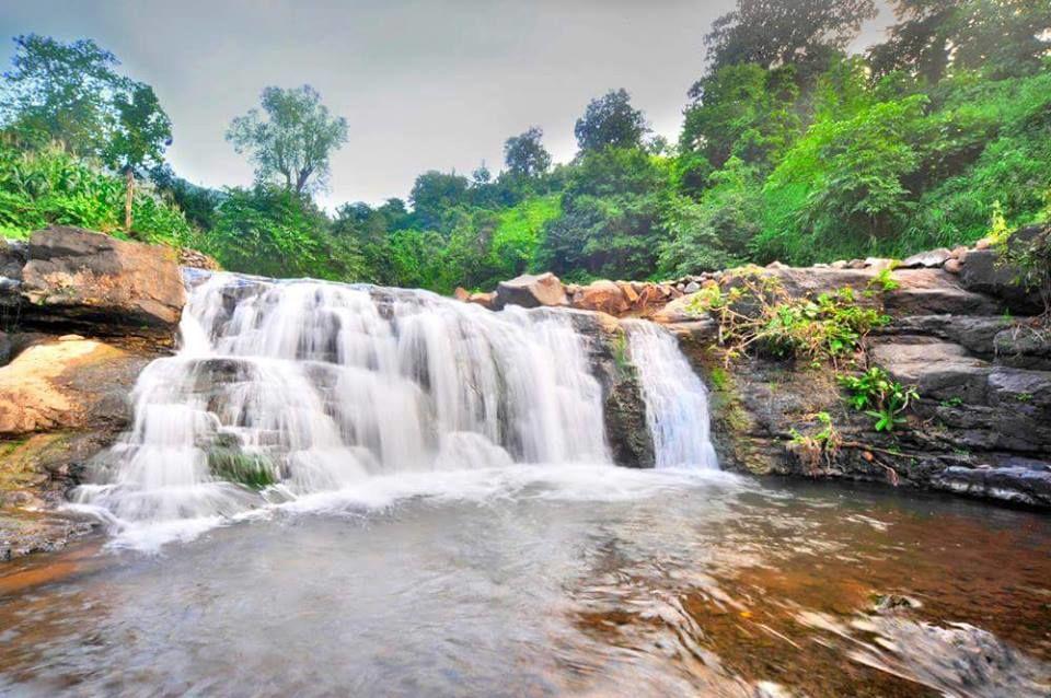 Embrace Nature :Zarwani Waterfall, Gujarat
