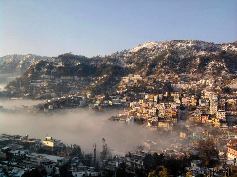 """Photos of Photo by <a href=""""https://upload.wikimedia.org/wikipedia/commons/4/41/Snowfall_solan_city.jpg"""">Wikimedia</a> 1/1 by Lost Passenger"""