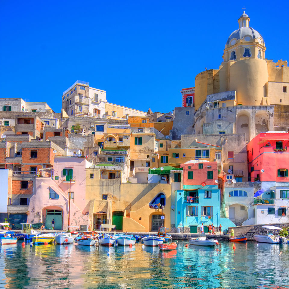Photos of Naples and its colour 1/3 by Kurian Joseph