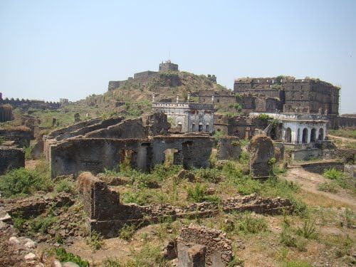 Forts in Maharashtra That Can Take You Back In Time