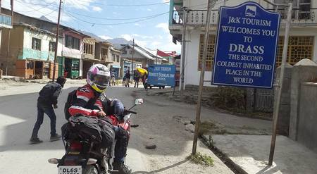 Crazy young biker girl explores Ladakh solo on CBR 250