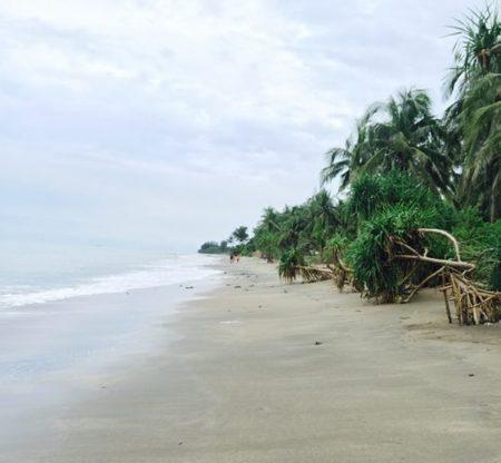 Bangladesh: How to Visit Saint Martin's Island by Fishing Trawler!