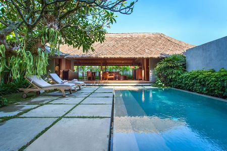 Photo of Top 20 Luxury Resorts In Bali To Give You The Best Beach Experience Money Can Buy