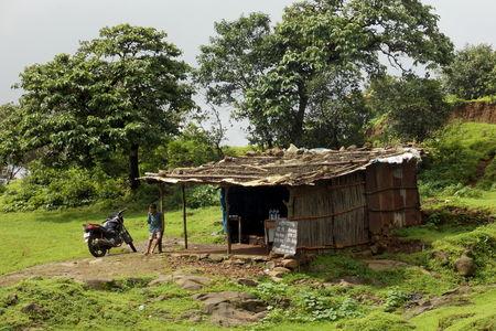 Trek to Lohagad (and Bhaja caves on the way)