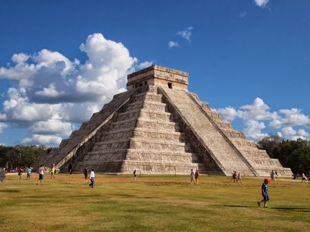 Visiting the Mayan City of Chichen Itza
