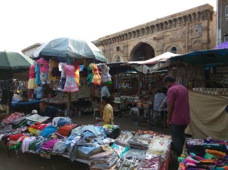 Cheap Street Shopping Places in Ahmedabad