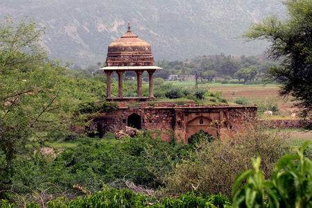 "Photos of The Bhangarh Fort Story: Behind The Mystery Of The Most ""Haunted"" Place In India 3/19 by Tripoto"