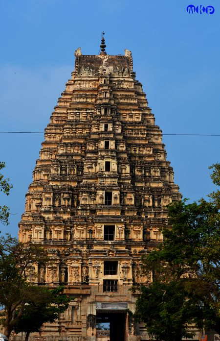 Architechtural Marvels - Hampi Badami Aihole Pattadakal