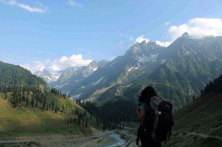 Mountain Traipse: Great Lakes, Kashmir