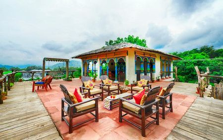 Paatlidun Safari Lodge in Jim Corbett Has With Canopy Beds And A Pool In Every Room. WIN!
