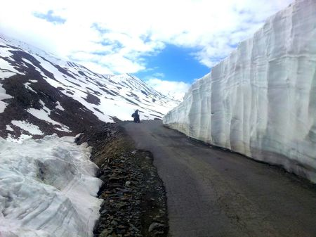 Bike Trip to LADAKH - Three Highest Motorable Roads of World