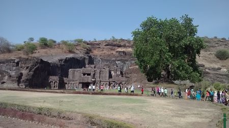 Solo bike trip to Ellora Caves: Knowing Maharashtra better!