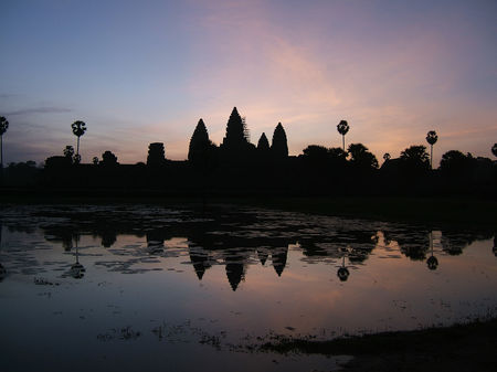 Cambodia : Ancient History and Sandy Beaches