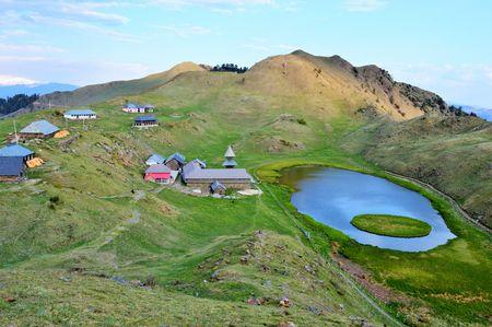 A Perfect Weekend Trek to Parashar Lake