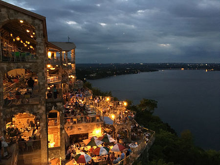 Where the lights never dim - Oasis on Lake Travis, Austin USA