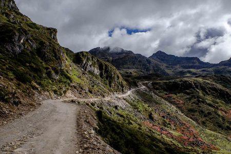 Tawang and the road to China