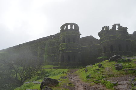 A Must visit Monsoon Trek to Raigad Fort-The capital of Shivaji's Maharaj's kingdom, Mahad.