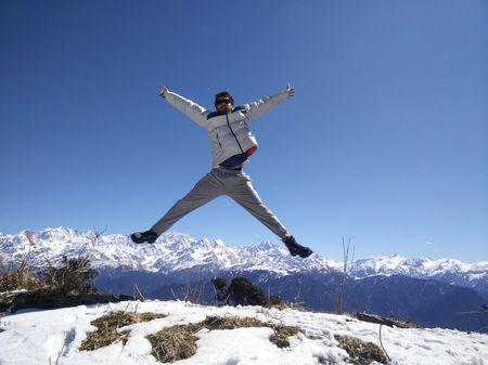 Dayara Bugyal : Feel The Snow