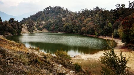 Deoria Tal- Exquisitely serene lake in the lap of Himalayas!