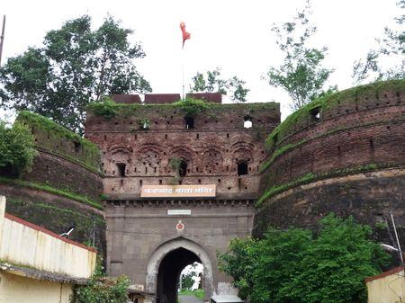 Induri fort and Shri Subramaniya Swamy temple