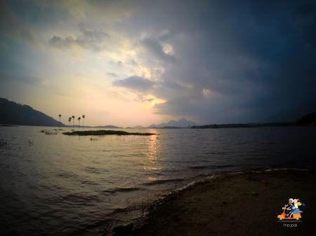Kava Island - A crimson sunset blaze
