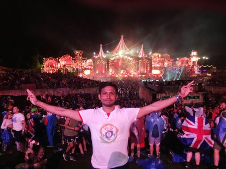 Solo Trip to Tomorrowland 2017 because YOLO