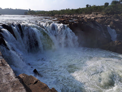 A trip to the mesmerizing Dhuandhar falls and Marble rocks at Bhedaghat Jabalpur